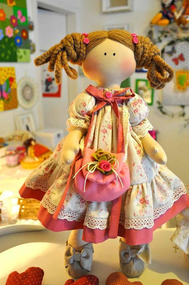 Boneca Priscila   ( inspiração  nas bonecas russas )