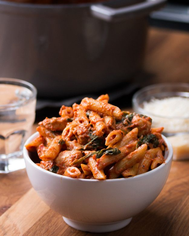 One-Pot Spinach Chicken Pasta