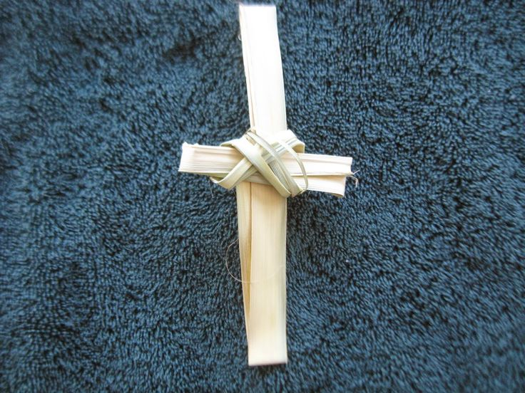 Campfires and Cleats: Artful Friday~ How to Make Palm Crosses, Rosettes and Knots