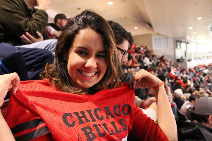 Como é a experiência de assistir a um jogo do Chicago Buls?  #chicago #travel #intercâmbio #viagem #f21travel #usa #eua