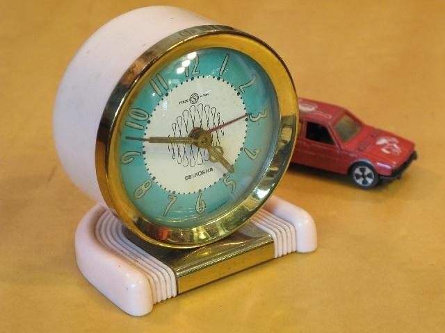 【アンティーク 古道具 JIKOH】レトロ ヴィンテージ ウォッチ SEIKOSHA 日本製 ゼンマイ式 置時計 目覚まし時計【楽天市場】