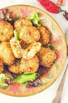 Una receta sencilla para hacer sabudana vada, unos snacks hindús parecidos a croquetas de patata, con perlas de tapioca y cacahuetes.