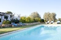 Trullo Rosmarino - elegant holiday trulli with pool in Puglia