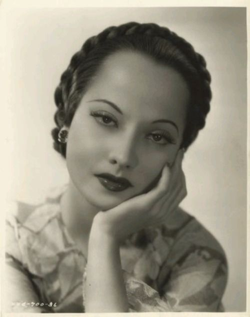 The stunning Merle Oberon