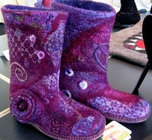 Beautiful-felted slipper-boots- blog has pics of neat beaded bracelets