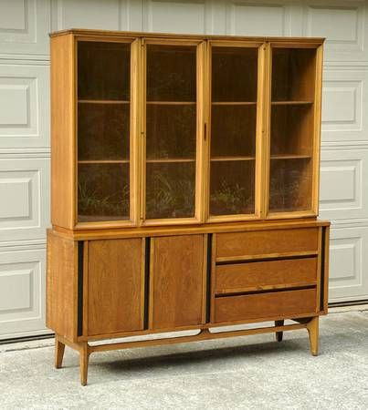this beautiful retro vintage danish mid century modern china cabinet is in excellent condition measures