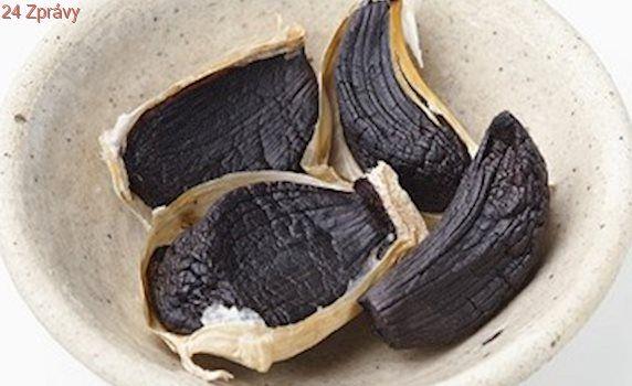 Francouzští šéfkuchaři objevují černý česnek, pátou chuť z Japonska