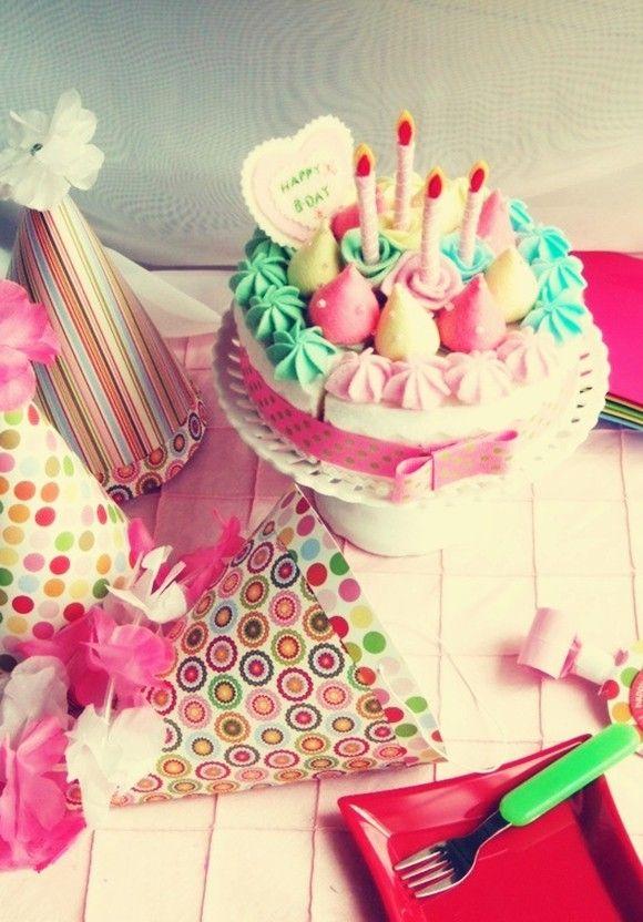 Cute Pastel Kids Birthday Cake, Pastel Birthday Cake Ideas #kids #food #ideas www.foodideasrecipes.com