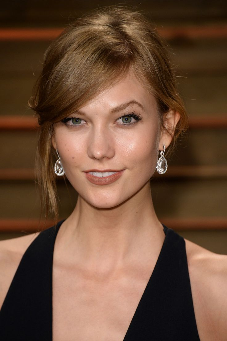Karlie went surprisingly subdued at the Vanity Fair party.