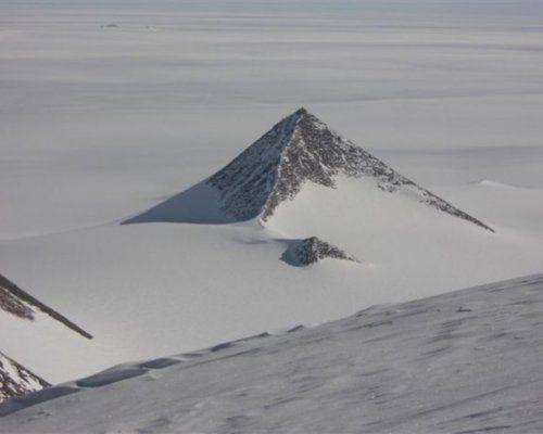 В Антарктиде исследователи обнаружили древние пирамиды