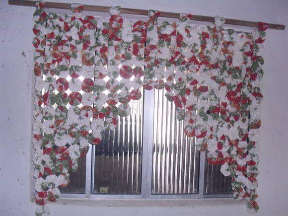 cortina de fuxico, tecido algodão, 250 fuxico. R$ 60,00