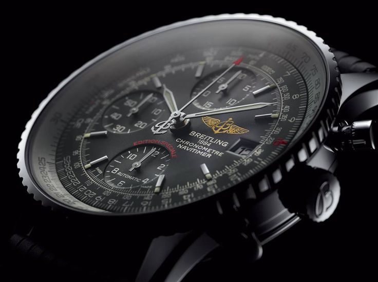 A tribute to the original Navitimer (1952), this special edition is distinguished by its slightly smaller diameter and its black or blue dial featuring tone-on-tone counters. More information on: https://www.breitling.com/en/models/navitimer/navitimer-heritage/