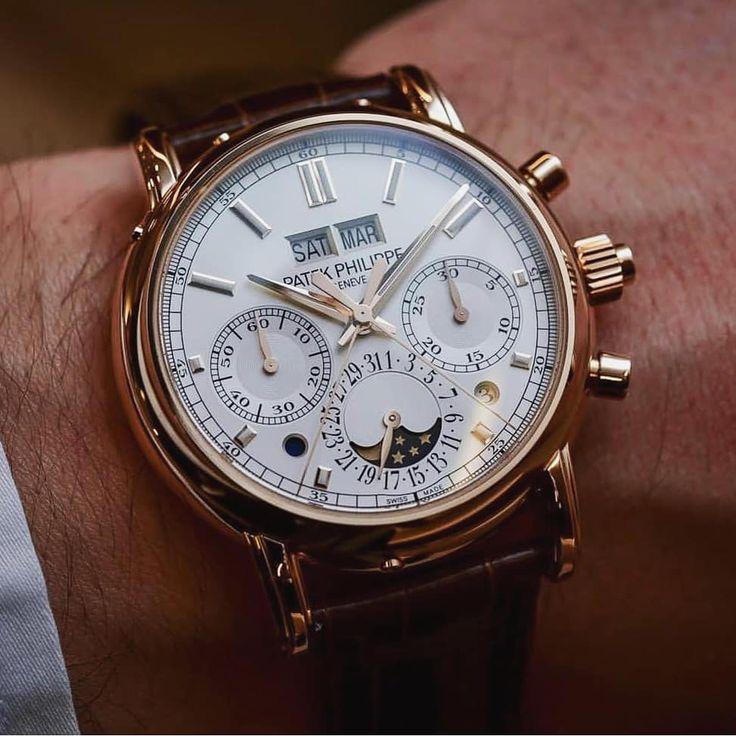 A beautiful Patek Phillipe  . . . . #watches #patekphilippe #luxury #elegance #style #sucsess #wintonwatches #wristwatch