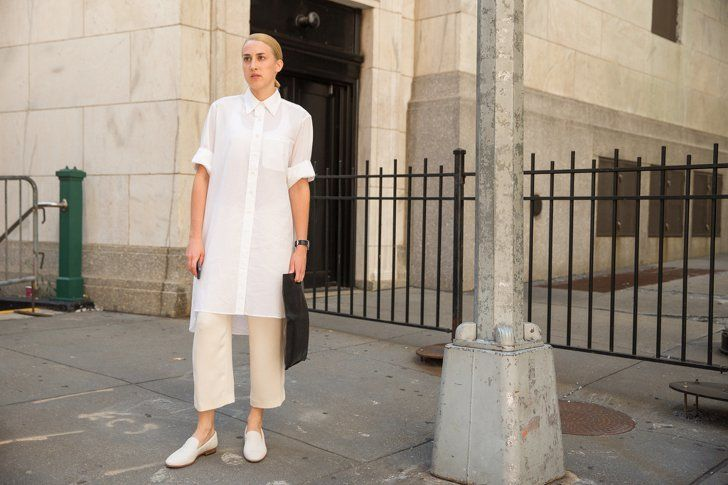 Pin for Later: 47 Easy-Breezy Spring Outfits You Can Wear to Work Cropped Trousers and Functional Loafers