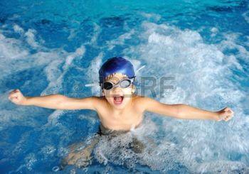 nuotatore: bambino di nuoto  Archivio Fotografico