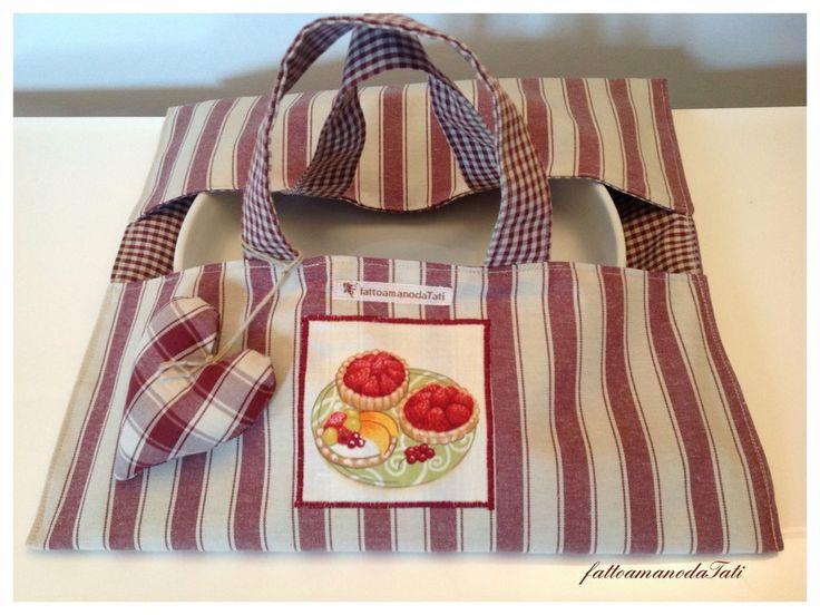 Porta torta in cotone a righe bordò con appliquè dolcetti, by fattoamanodaTati, 20,00€ su misshobby.com
