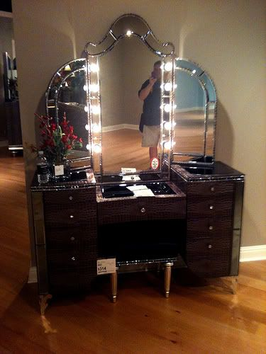 12 best built in dressing tables images on pinterest for Beauty parlour dressing table