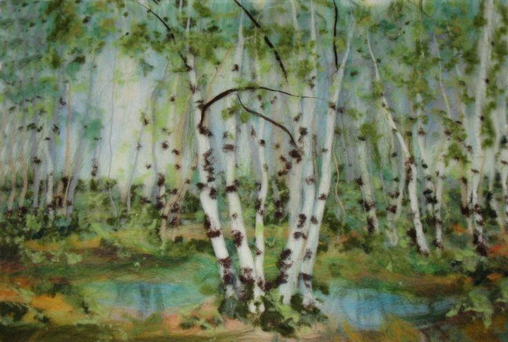 Картины из войлока могут содержать в себе элементы, созданные и методом сухого валяния – обычно, это мелкие детали рисунка. Суть такой работы заключается в том, что либо тоненькие волокна шерсти, либо целые элементы рисунка, созданные отдельно, иглой для фелтинга прикрепляются в нужном месте к изображению.  Картины, выполненные в технике валяния, получаются теплыми, мягкими и воздушными. Они радуют человеческий глаз своей нежной красотой.