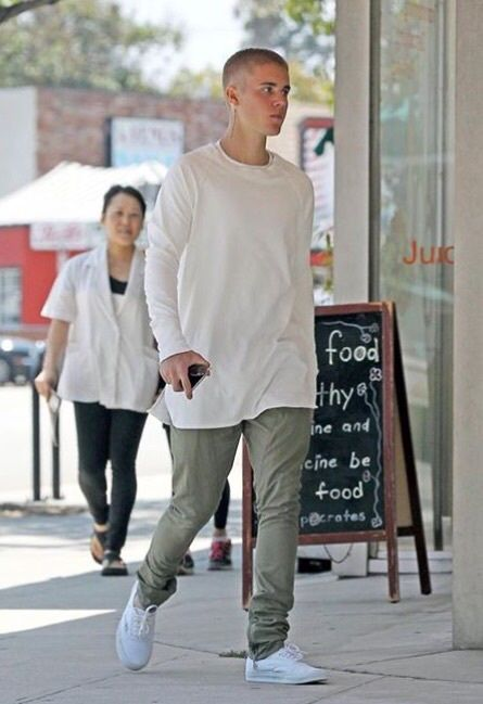 Justin Bieber in the Vans Authentic White/White
