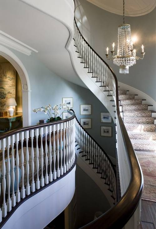beautiful yet elegant: Wall Colors, Dreams Houses, Beautiful Stairca, Paintings Colors, Staircase, Phoebe Howard, Interiors Design, Stairs Design, Decor Blog