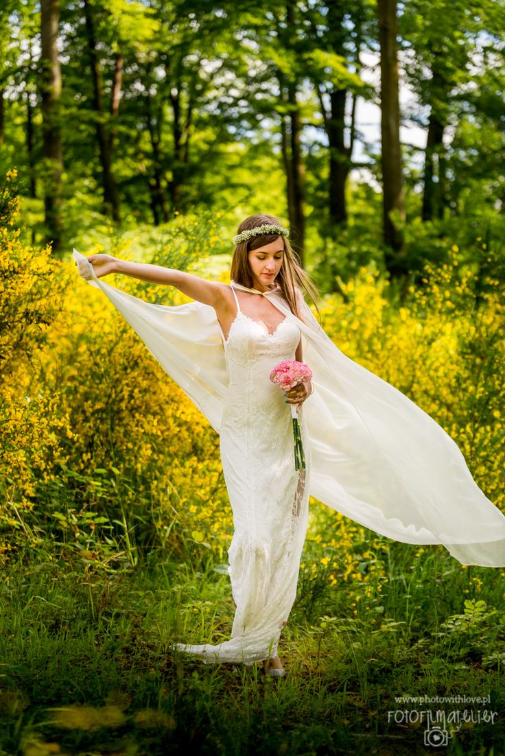 bride wedding dress forest wedding photography