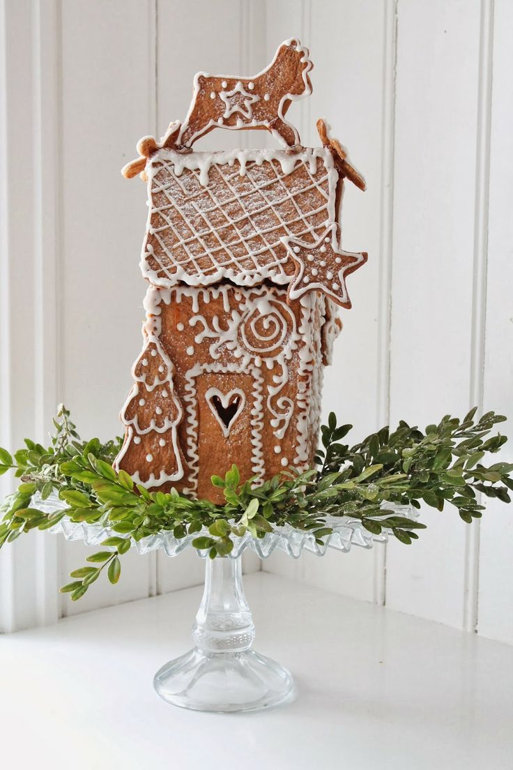 Gingerbread whimsy. Repinned by www.mygrowingtraditions.com
