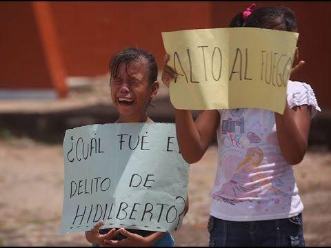 Niños de Ostula le cantan himno nacional en nahuatl a su compañero asesi...