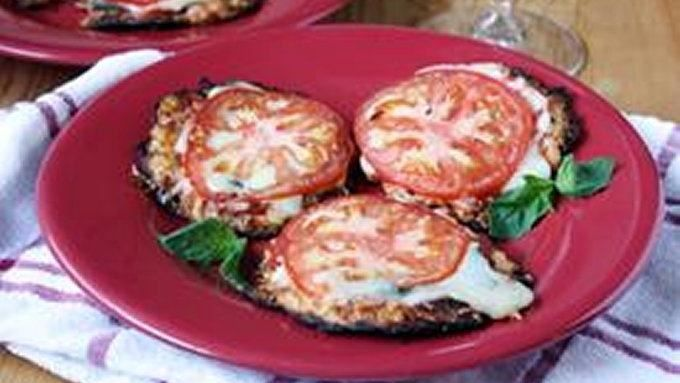Pizza crust made from cauliflower. Low in carbs, high in tastiness.