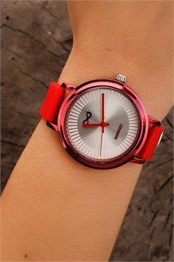 Kırmızı Silikon Kordonlu Metal Kasa Bayan Saat