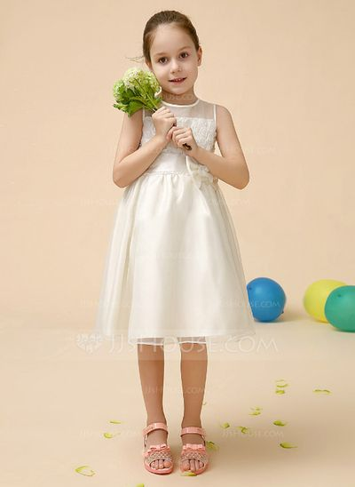 A-Line/Princess Scoop Neck Knee-Length Satin Flower Girl Dress With Flower(s) Bow(s) (010070948)