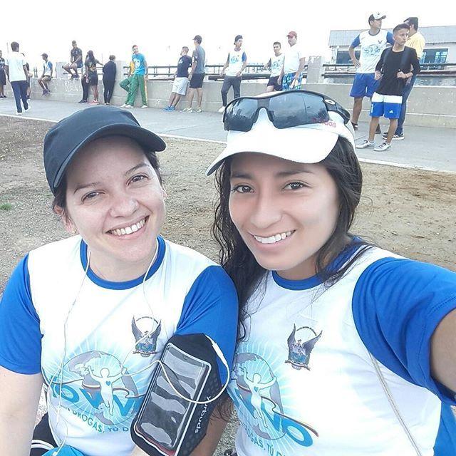5km Yo vivo sin drogas organizado por la Policia @mayeyita9  tu primera competencia que orgullo llegar a la meta contigo... @tegafashion  alistando motores se viene lo bueno #halfmarathon  #salinas #run #running  #weloverunning #teampinkmachala #machala #montereylocals #salinaslocals- posted by 100% Musica https://www.instagram.com/marianasarango - See more of Salinas, CA at http://salinaslocals.com