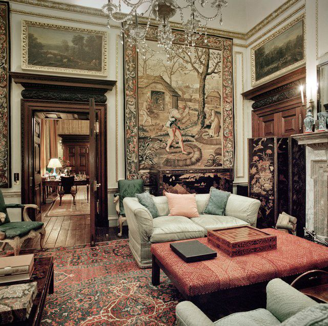 Houghton Hall's private sitting room. > Photo by Jonathan Becker.