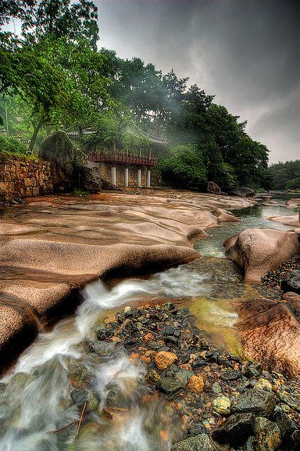 Jakgwaecheon, South Korea | by JTeale, via Flickr