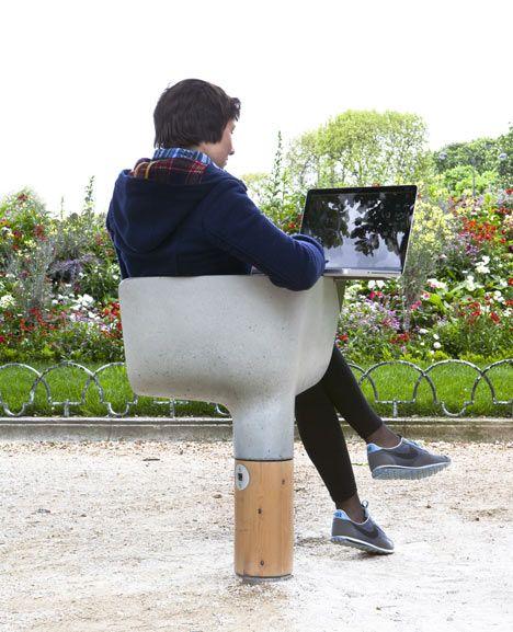 Estações de Wi-Fi em Paris (França), criação do designer francês Mathieu Lehanneur.