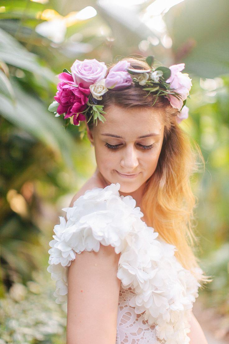 Photography: Chloe Murdoch Photography - chloemurdochphotography.com  Read More: http://www.stylemepretty.com/2014/08/08/colorful-costa-rica-beach-elopement/