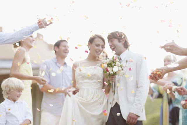 The best type of maid of honor is like a boyscout – always prepared and always helpful. To earn your merit badge, put together a bridal emergency kit, full of those oh-so-useful things everyone seems to want on the day of a big event. but no one has – except you!