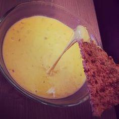 Low Carb Nachos mit Käsedipp, perfektes Low Carb Naschen, aber auch sättigend für das Abendessen und zugleich eine Eiweißbombe. Super lecker