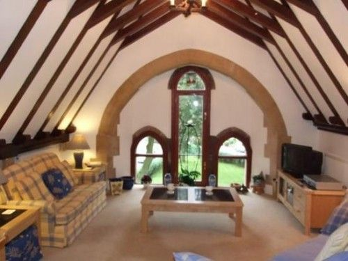 20 Terrible Estate Agent Photographs - The Poke. Oh this made me cry with laughter.