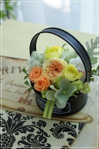 【今日の贈花】イエロー系の優しいナチュラルが好き♪|Flower note の 花日記 (横浜・上大岡 アレンジメント教室)