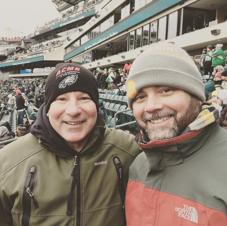 I've never been as cold as I was today at the Eagles game.  Felt like 9 degrees!  Still had s blast at my first ever Eagles game at Lincoln Financial Field!  Thanks @mayorrobalt and Bob Meffley!  #phillystyle #eagles #philly #philadelphiaeagles #beatdallas