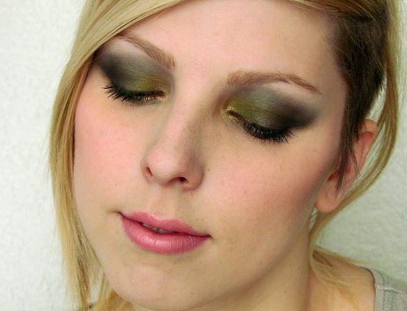 Olivově Zelené Kouřové Líčení / Olive Green Smokey Makeup Tutorial http://getthelouk.com/?p=2129