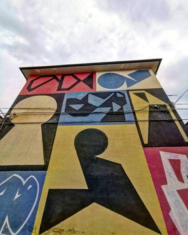 Sun(?)day. 🤟 streetart  street  sprayart  streetphotography  urban   urbanart…   – wallporn