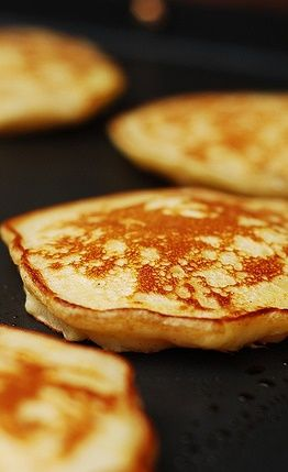 Some of the most delicious pancakes I ever tried!  Pancakes with shredded apples - perfect for Sunday Brunch!