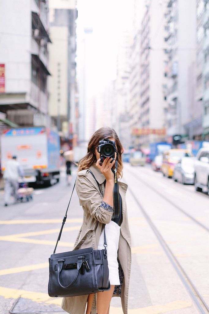 HOW TO TEACH YOURSELF TO TAKE BETTER PHOTOGRAPHS (AND THE PERFECT ON THE MOVE BAG)