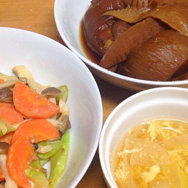 ⚫︎豚足、野菜の煮物 ⚫︎ブロッコリー芯、しめじ、人参の塩麹マヨ和え ⚫︎大根、葱、溶き卵のスープ - 12件のもぐもぐ - 2015.01.28 by amagishinjyu