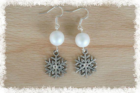 Silver Snowflake Earrings VIII  Christmas Earrings  Snow