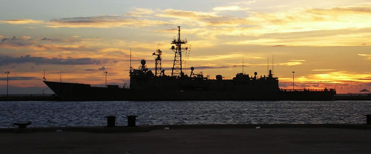 USS Stephen W. Groves (FFG-29) as seen at sunset in Key West on July 22, 2007. This ship is typical of the frigates, destroyers, and smaller military vessels that call at the port. Larger ships, such as aircraft carriers, are prohibited because of their deep draft and the shallowness of the harbor. ◆Key West, Florida - Wikipedia http://en.wikipedia.org/wiki/Key_West,_Florida #Key_West