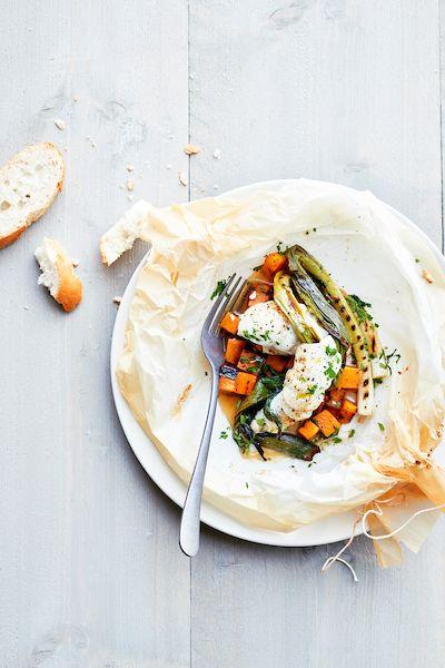 Préparez un(e) délicieux(se) papillote de plie, jeunes oignons grillés et potiron avec cette recette et régalez vos convives. Bon appétit!