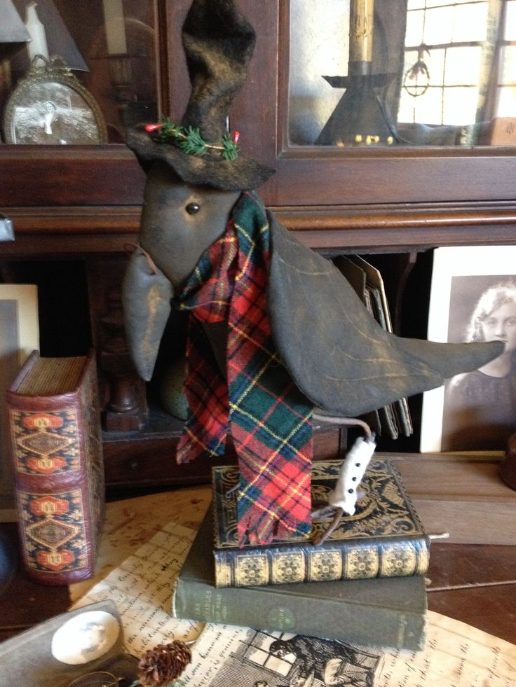 Primitive Cratchet crow. Pattern by soft in the head. Lovingly hand made by Olde Pear Primitives.