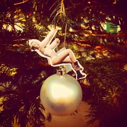 This Is The Miley Cyrus Tree Ornament Add-On You Want And Need (via BuzzFeed)